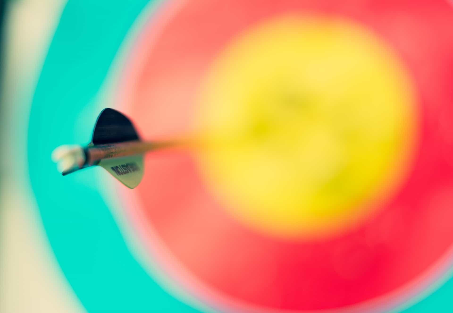 picture of arrow hitting target for branding positioning